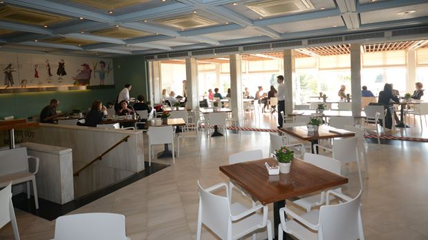 Café at Museums and Cultural Areas 5