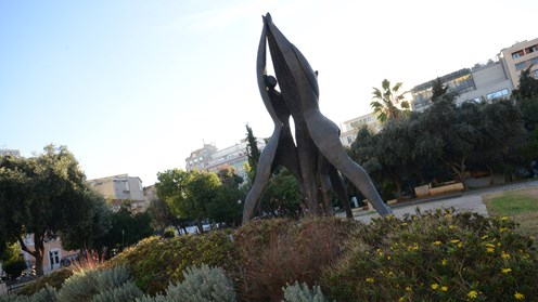 Monument of National Reconciliation, Vassilis Doropoulos (Klathmonos square)